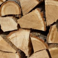 Kiln-dried oak logs from Bristol to Gloucester