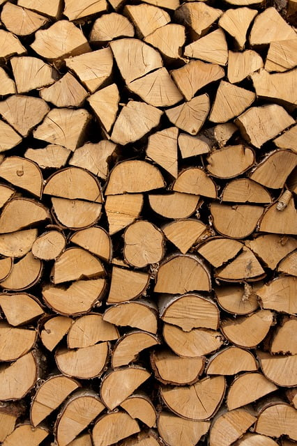 Professionally stacked logs can save you energy - for you and your fire